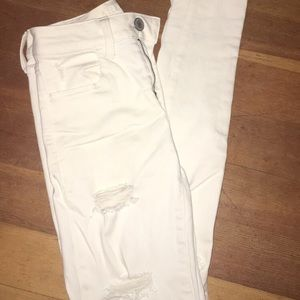 White American Eagle Ripped Jeans